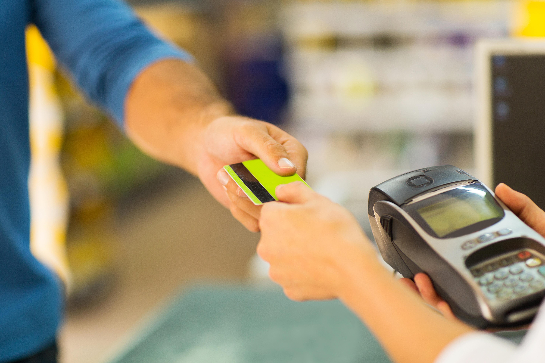 Opłacanie rachunków kartą płatniczą